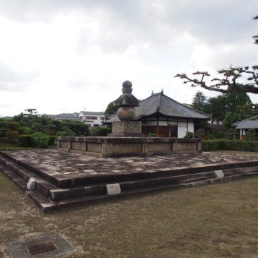 【西大寺奥の院】叡尊上人の御廟所(お墓)には「日本最大級の五輪塔」も
