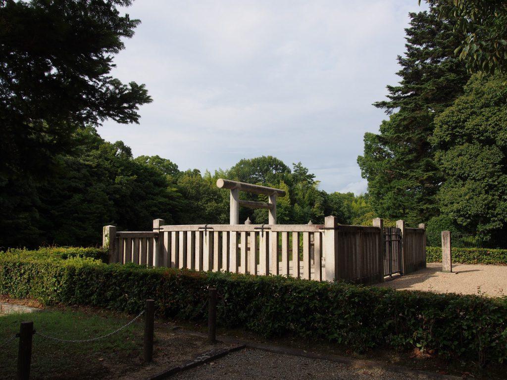【日葉酢媛命陵】古墳密集地の中心部にある自然あふれる陵墓