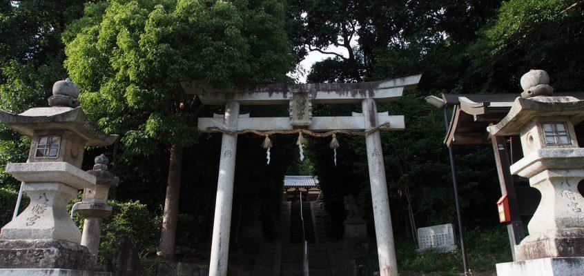 【奈良・佐紀路】神功皇后陵の裏山にある「山陵八幡神社」ってどんなところ?立派な境内を写真でご案内!