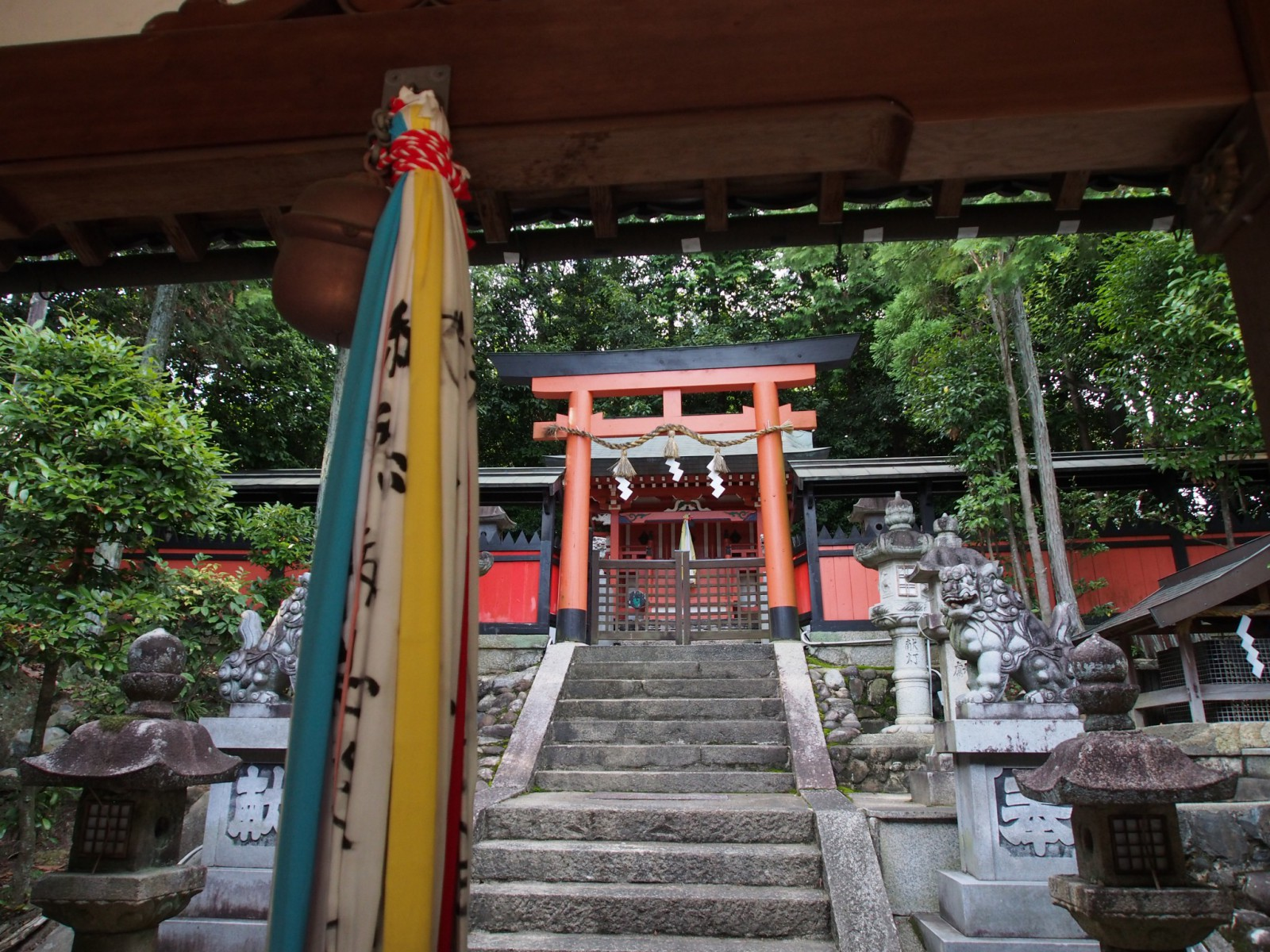 山陵八幡神社の本殿