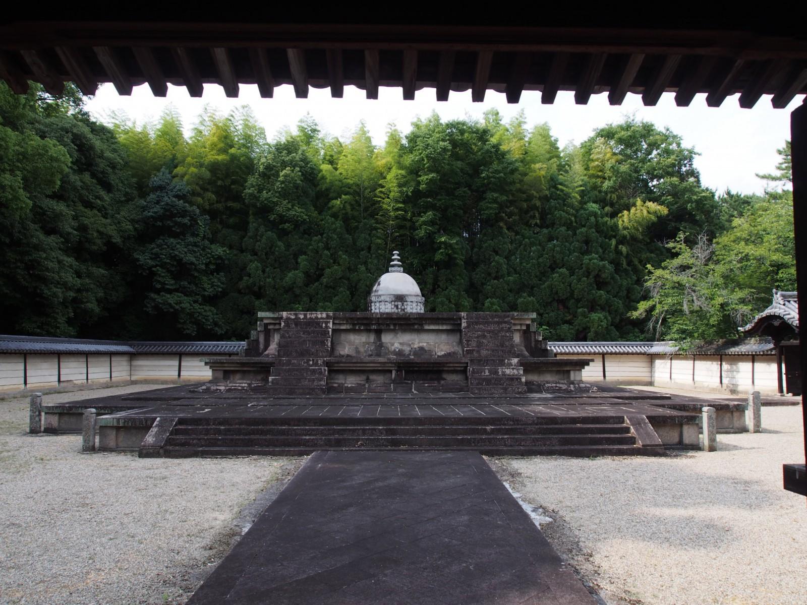 唐招提寺「戒壇」
