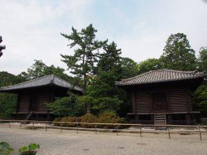 【唐招提寺宝蔵・経蔵】奈良時代に建てられた貴重な「校倉造り」の倉庫が南北に並ぶ