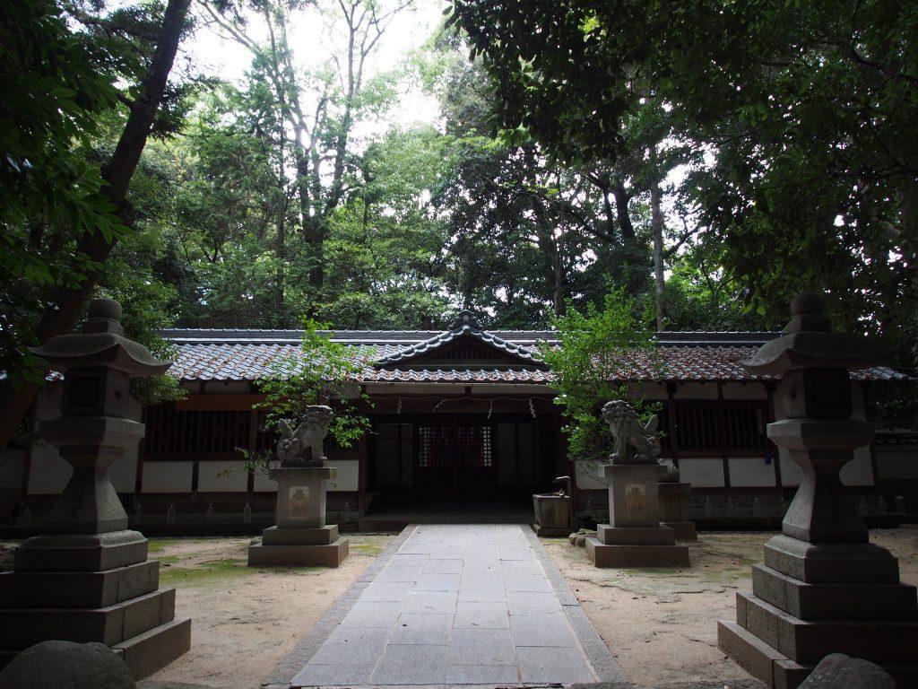 養天満宮の社殿