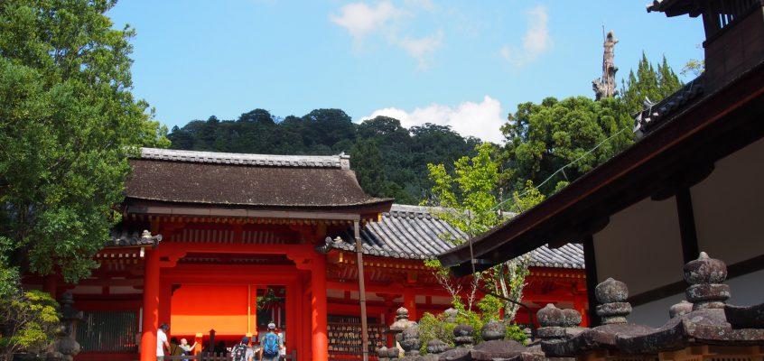 【春日大社】南北に並ぶ3つの門「慶賀門・清浄門・内侍門」ってどんなところ?それぞれの由緒等をご案内