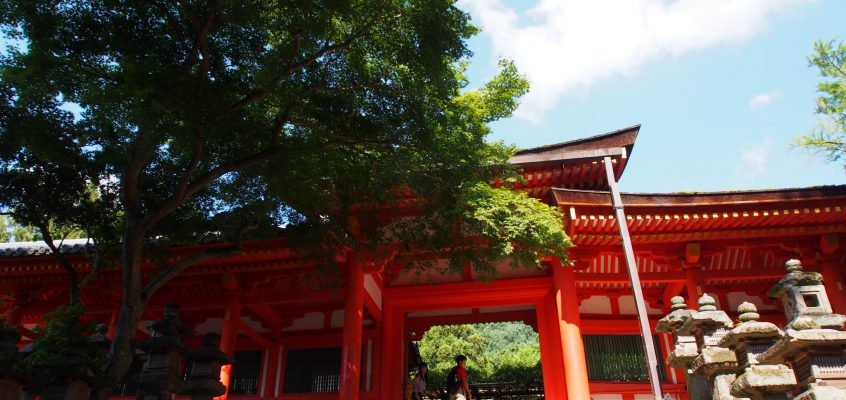 【春日大社慶賀門】春日大社への正式な「参入門」として用いられてきた由緒ある門