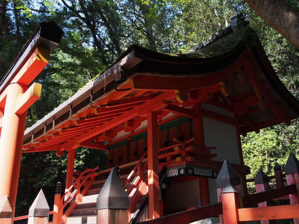 三十八所神社の立派な本殿
