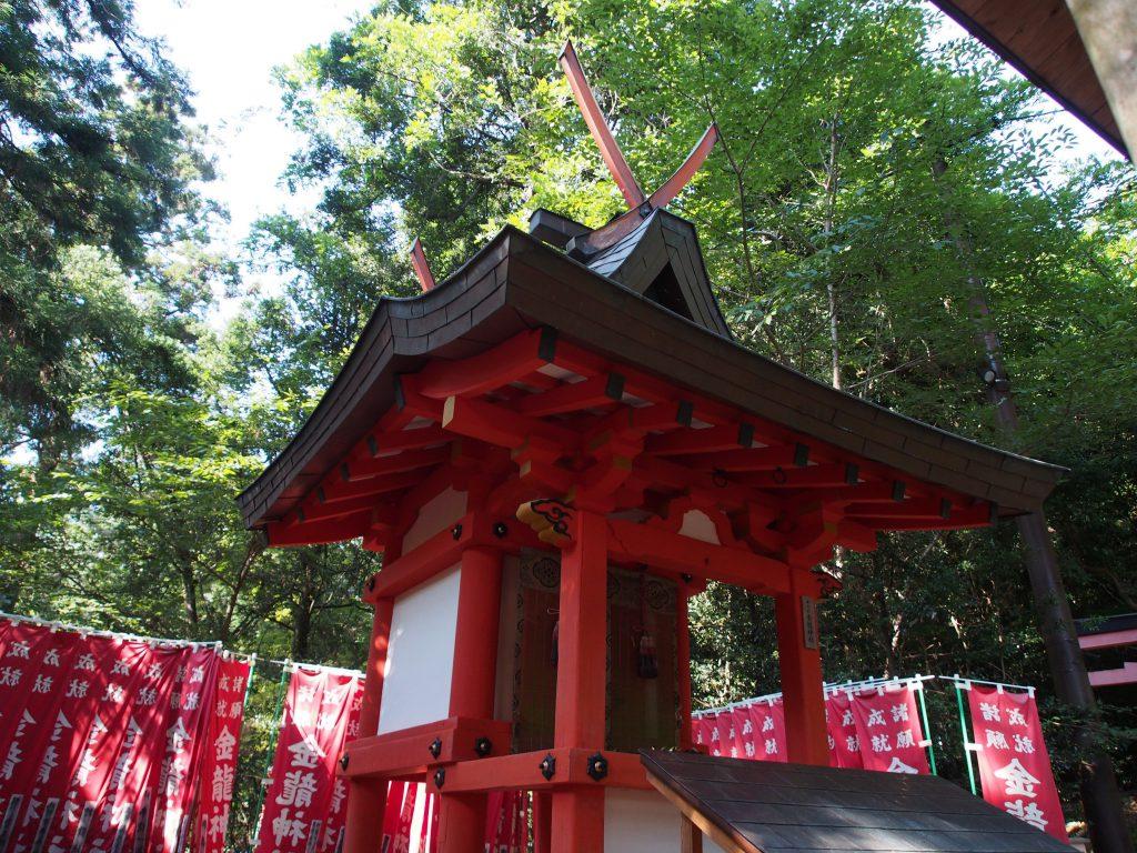 金龍神社の本殿