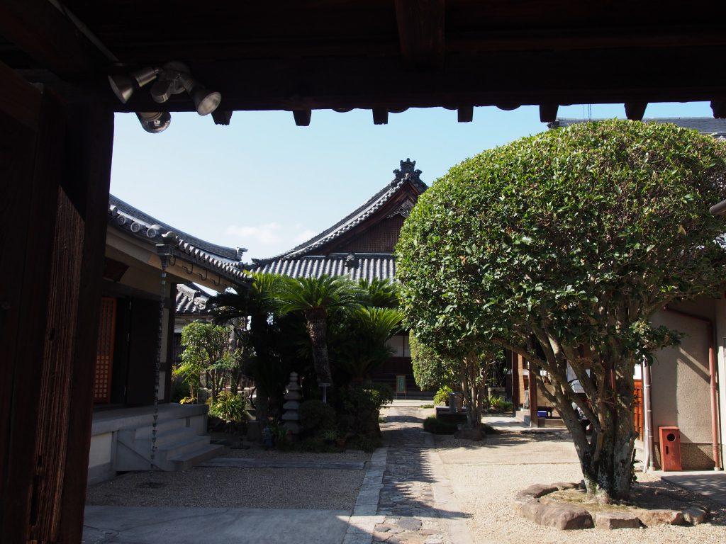 法徳寺境内(奈良町)