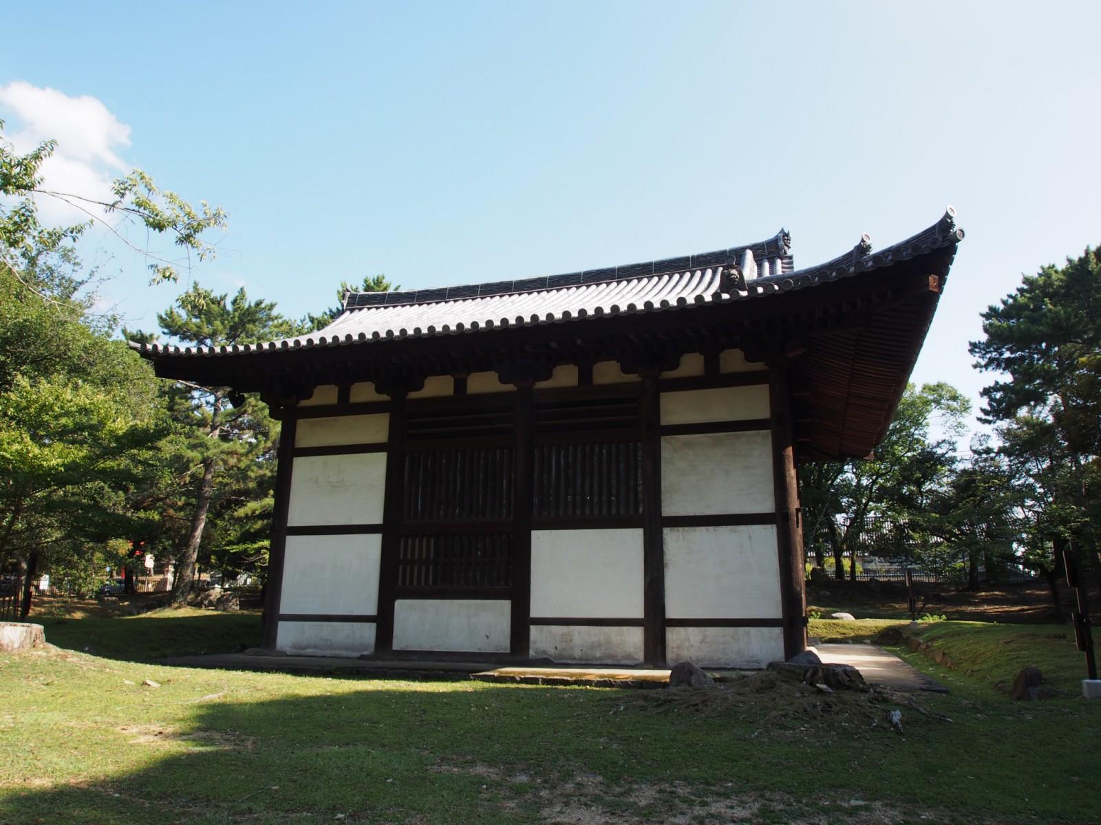 大湯屋を北側から望む(興福寺)