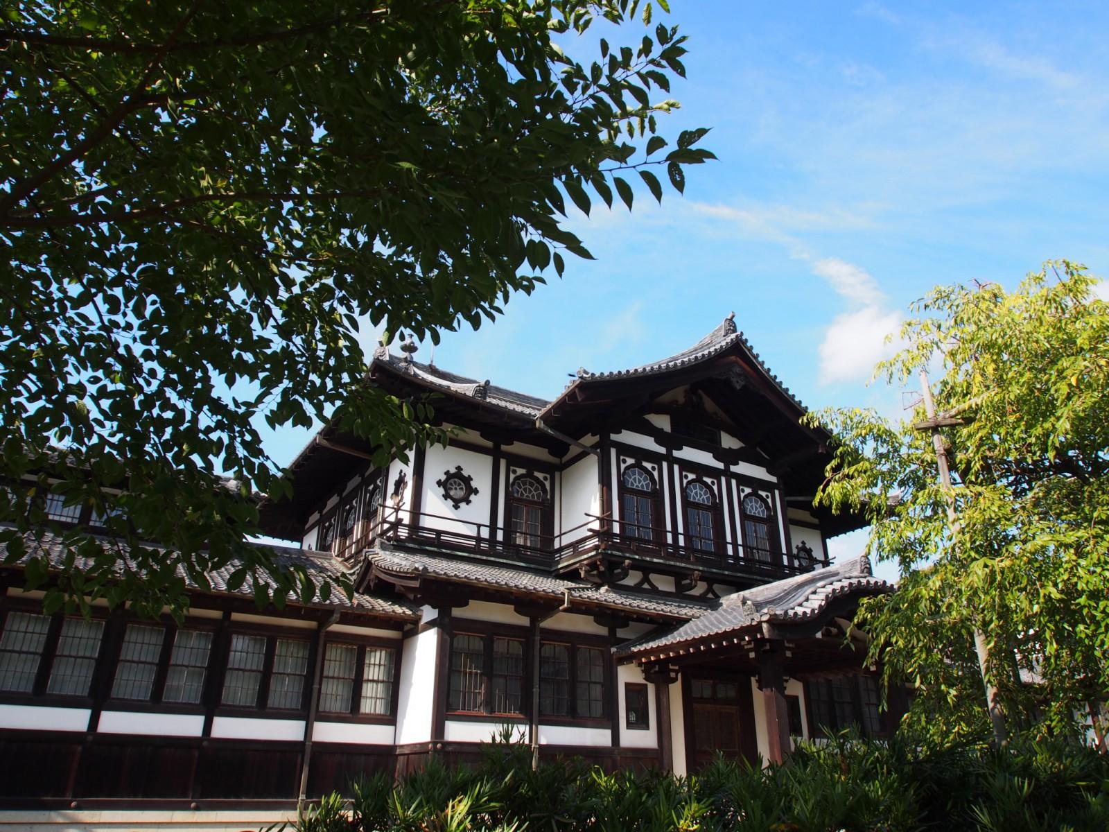 奈良国立博物館仏教美術資料研究センター(旧奈良県物産陳列所)