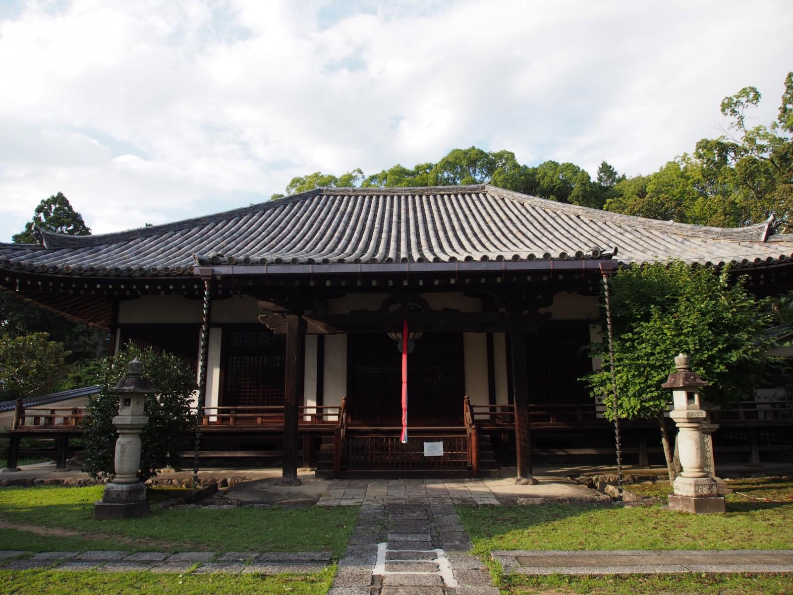 興福寺菩提院大御堂(十三鐘)