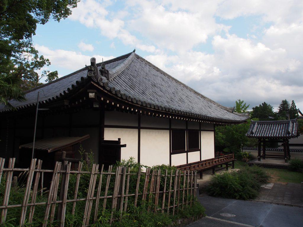 興福寺菩提院への入り口付近