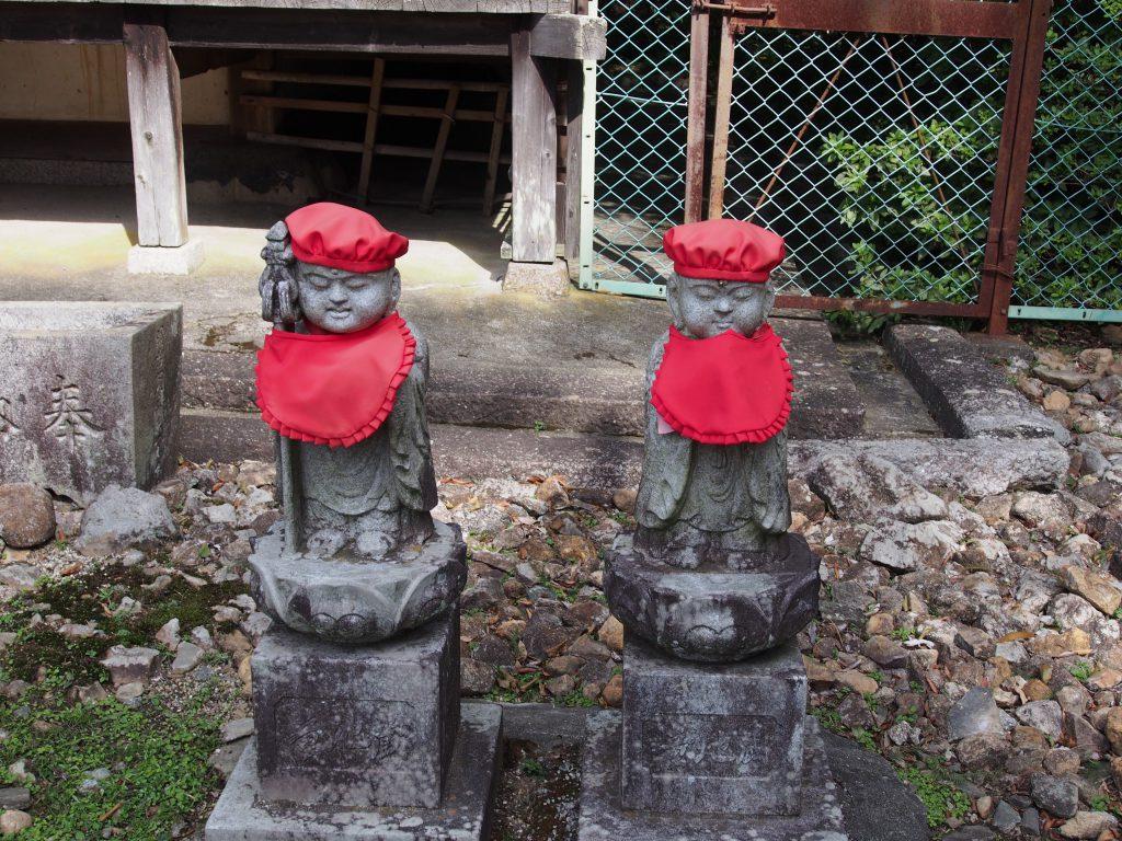 東大寺不動堂周辺のお地蔵さま