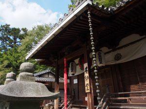 【東大寺不動堂】護摩法要で知られる三月堂裏手の小さなお堂