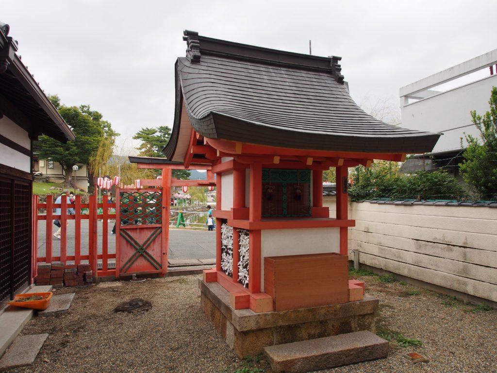 采女神社の本殿