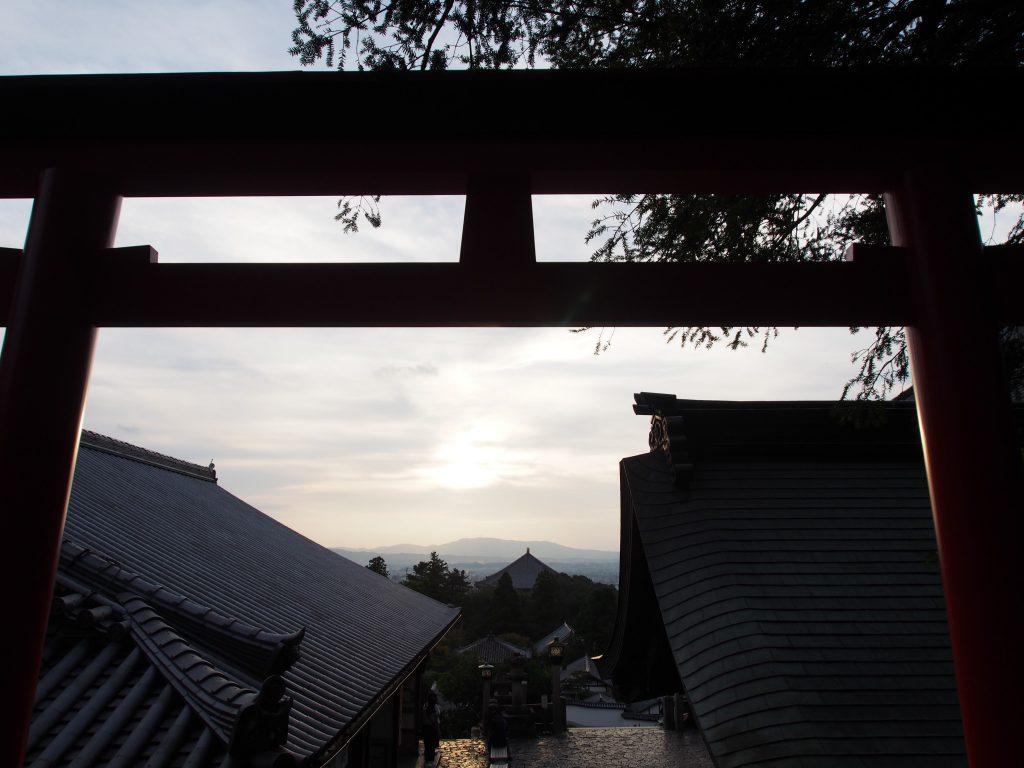 飯道神社から望む大仏殿・奈良市街地への眺望