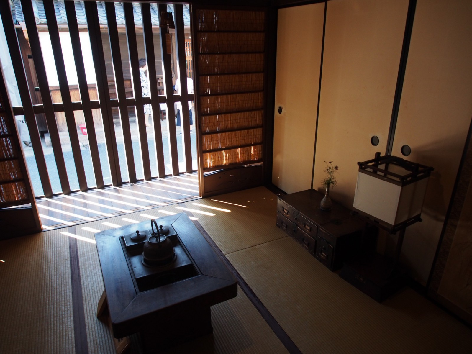 奈良町格子の家「みせの間」