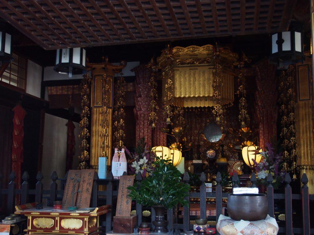 興福寺一言観音堂の内部