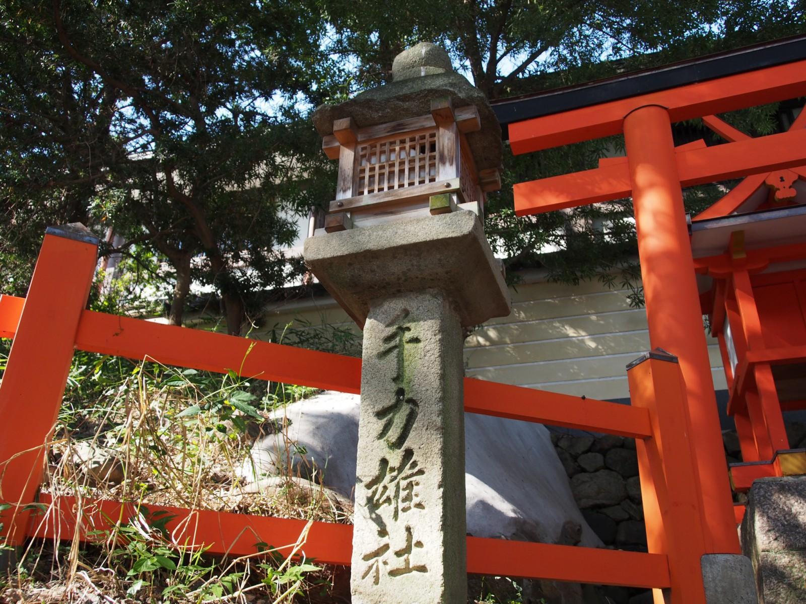 手力雄神社(奈良)の燈籠
