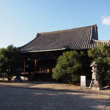 【蓮長寺】圧倒的な天井絵を間近に望める「日蓮上人」ゆかりのお寺