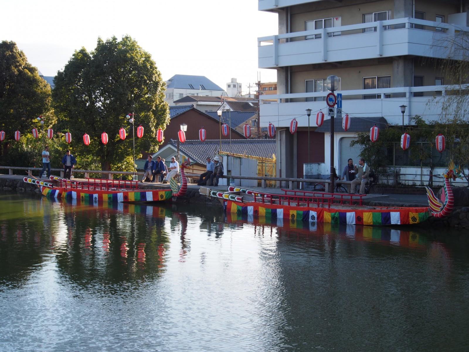 采女祭で使用される管絃船