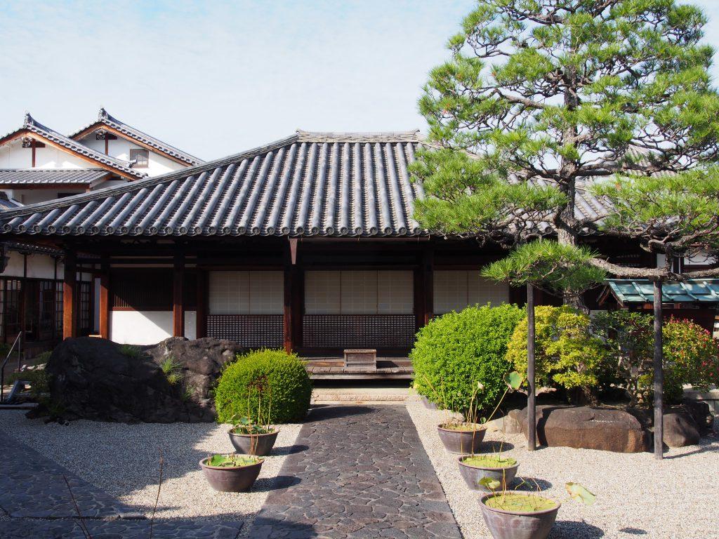 十輪院(奈良市)の本堂