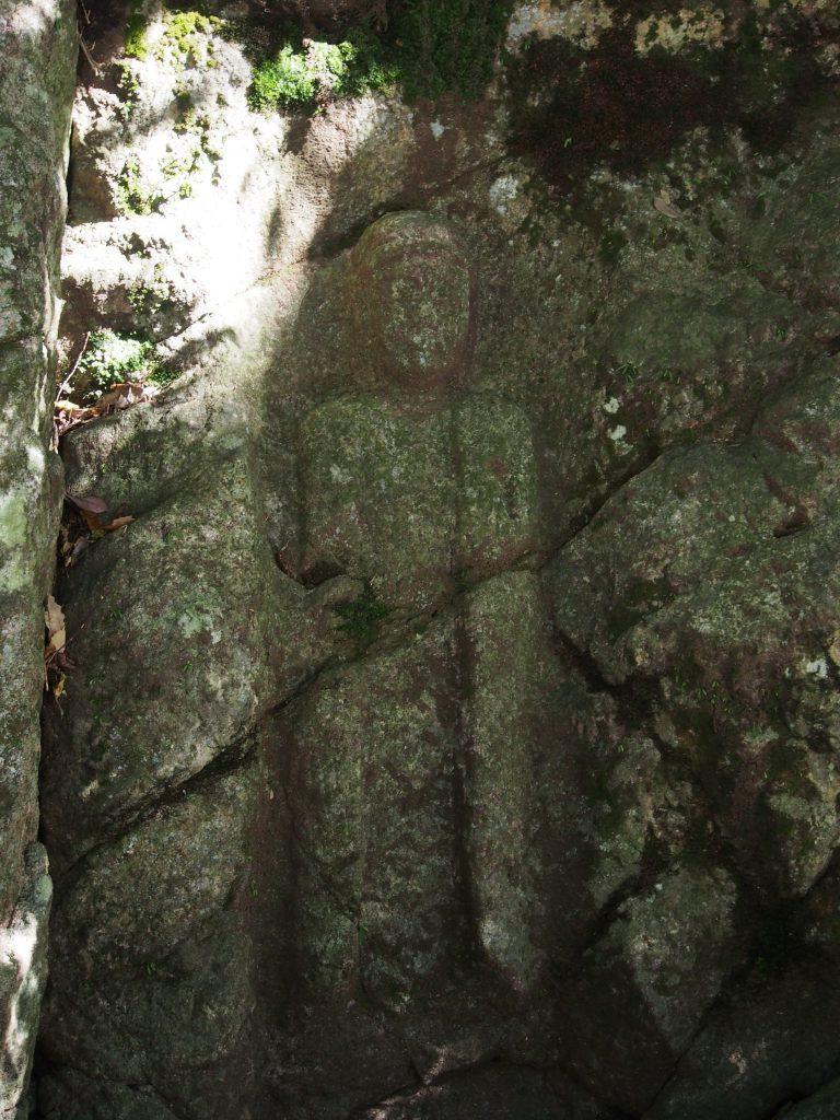 南田原磨崖仏の弥勒菩薩