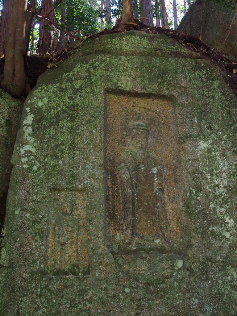 阿対の石仏「阿弥陀如来」と「地蔵菩薩」