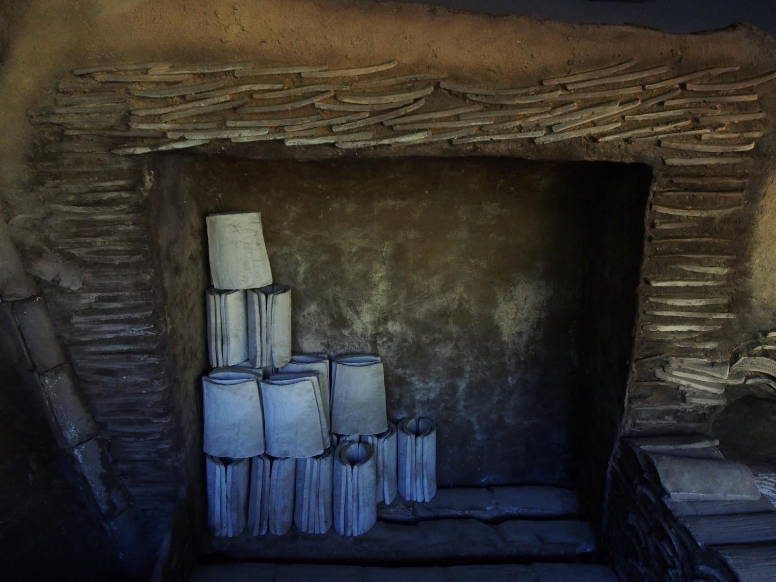 復原された瓦窯(杉山瓦窯跡群)