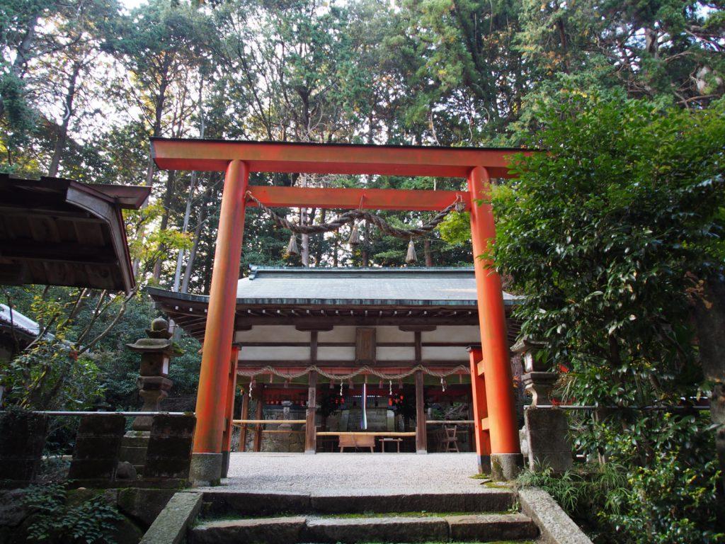 【夜支布山口神社】柳生エリアを代表する神社は巨大な磐座を持つ摂社も有する