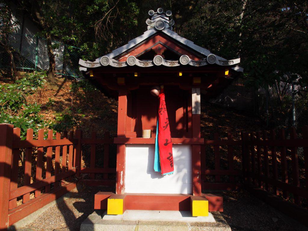 遠敷神社(東大寺)の社殿