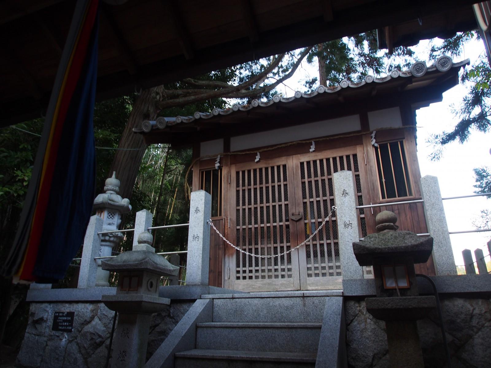 釣殿神社の本殿