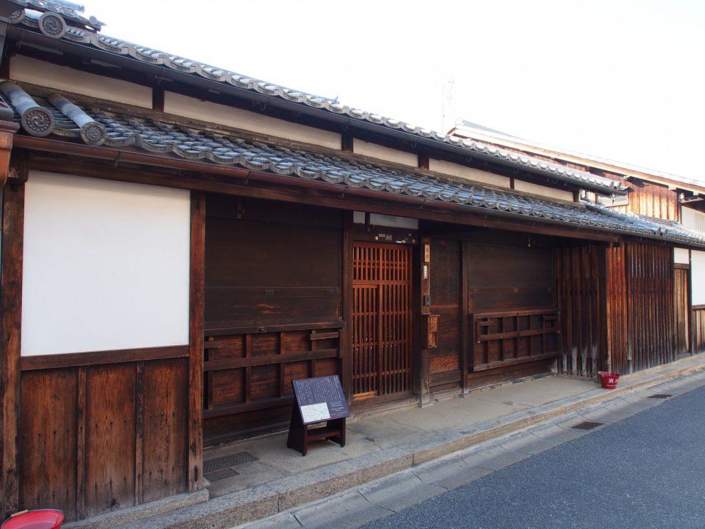【藤岡家住宅】外観のみ見学できる江戸時代に建てられた「200年前の町家」