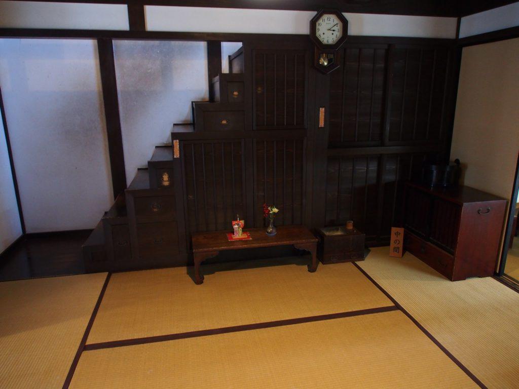 奈良町格子の家「中の間」
