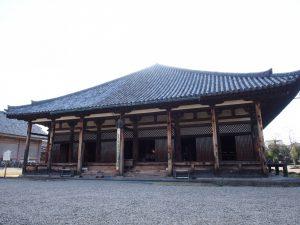 【元興寺本堂(極楽堂)】飛鳥時代から使用される「日本最古の屋根瓦」で有名な建物はかつての「僧坊」