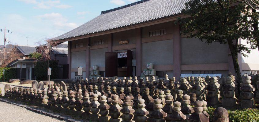 【元興寺総合収蔵庫(法輪館)】国宝「五重小塔」をはじめ多数の文化財(仏像)が一堂に会する空間