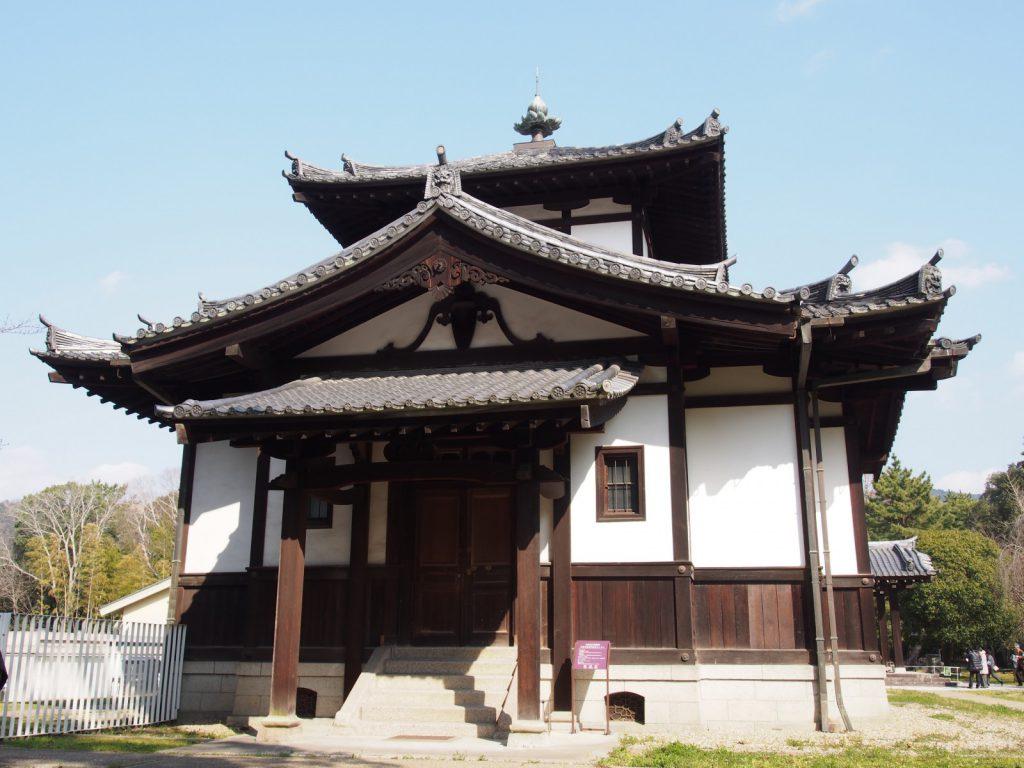 旧奈良県物産陳列所(翼楼)