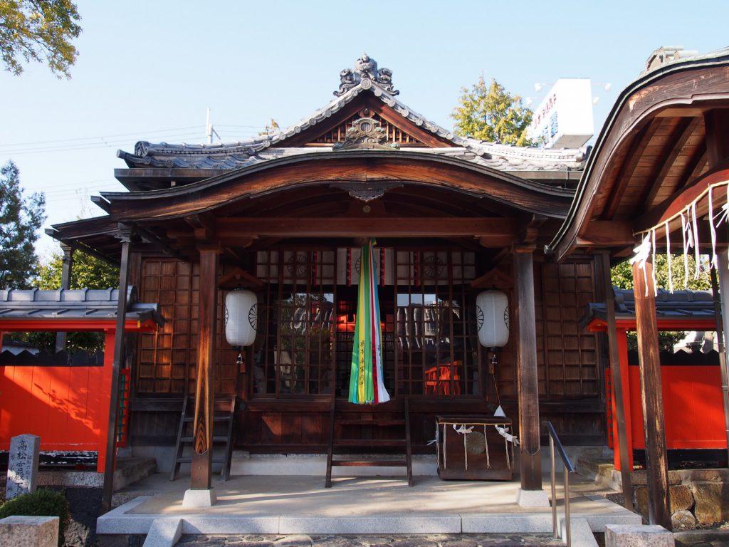 崇道天皇社の拝殿