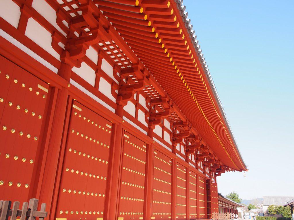 【薬師寺食堂】全長50メートルに渡る圧巻の「壁画」がみどころの「新築のお堂」