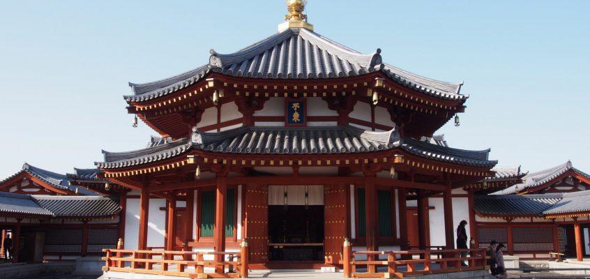 【薬師寺玄奘三蔵院伽藍】玄奘三蔵の遺徳を偲ぶ美しい空間には平山郁夫氏の壁画も展示される