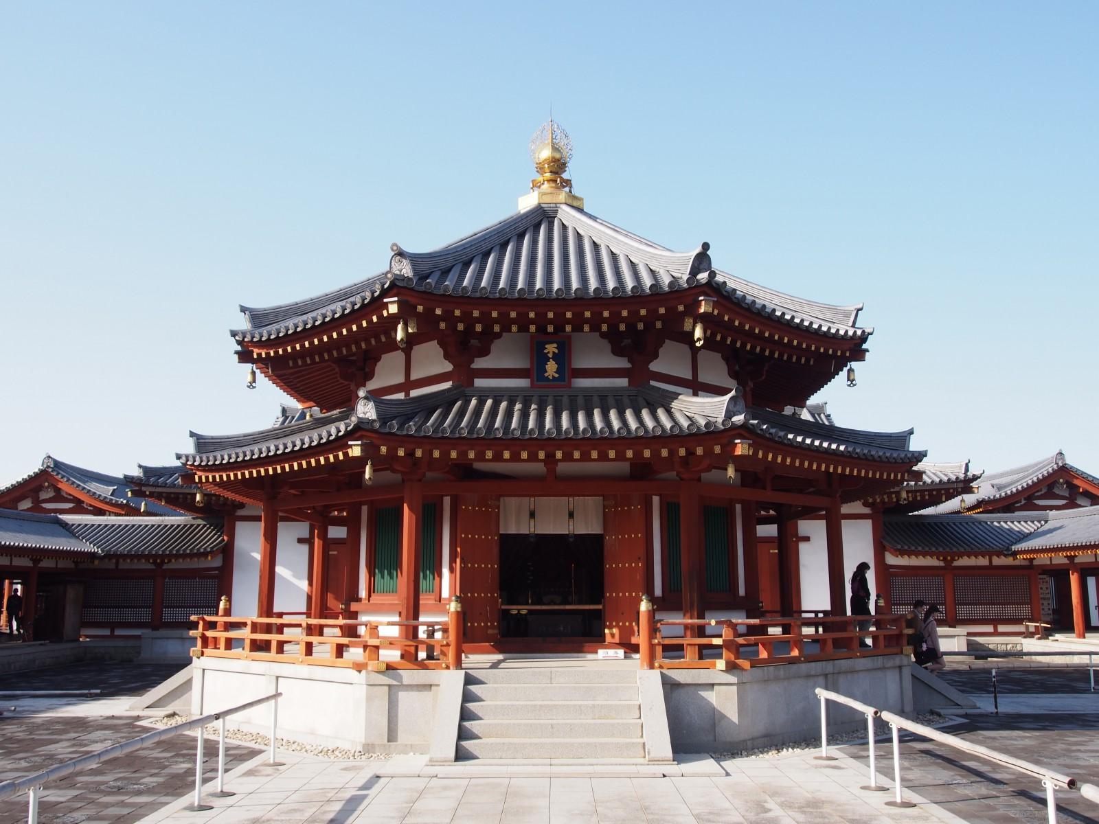玄奘三蔵のご遺骨を納める「玄奘塔」