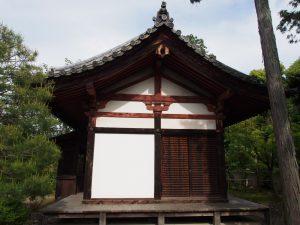【唐招提寺地蔵堂】毎年地蔵盆の時期のみ公開される地蔵菩薩立像を安置する空間