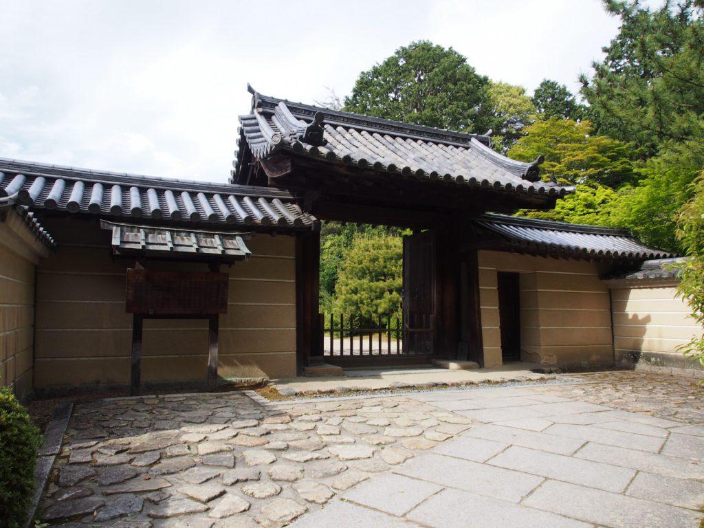 唐招提寺御影堂の門