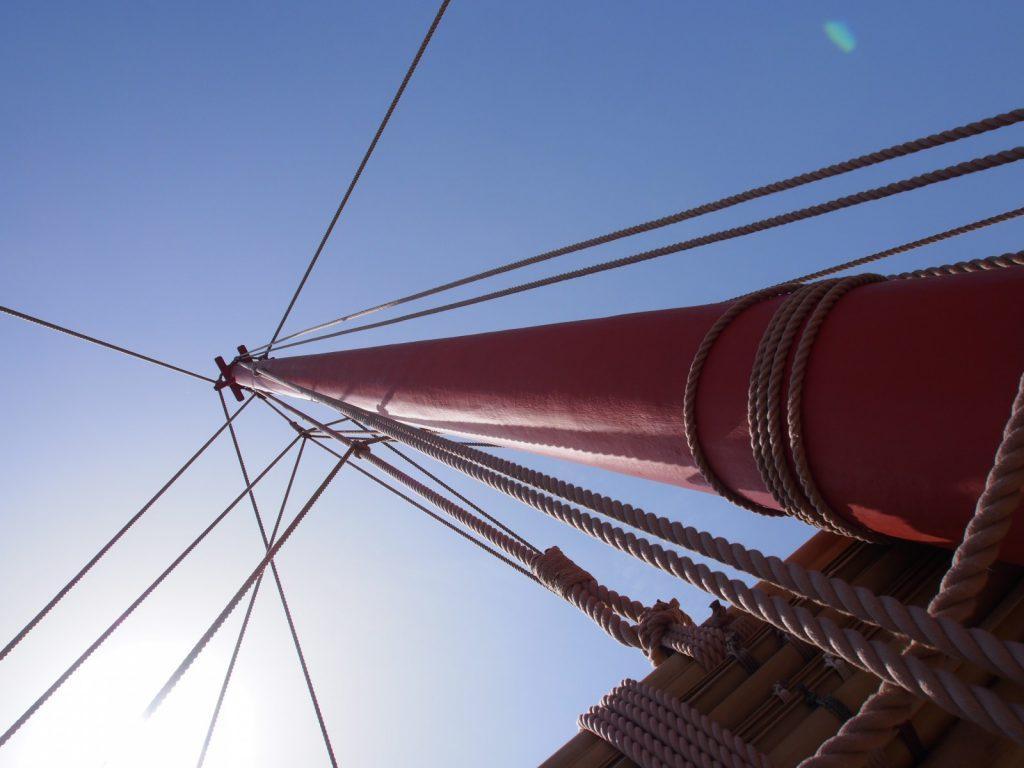 復原遣唐使船の帆柱(マスト)