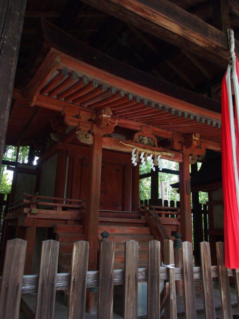 霊山寺鎮守社殿(十六所神社)の本社