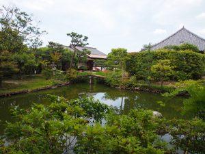 【法華寺名勝庭園】杜若や皐月が美しく咲き誇る静かな空間