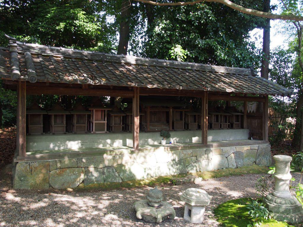 秋篠寺「十三社」
