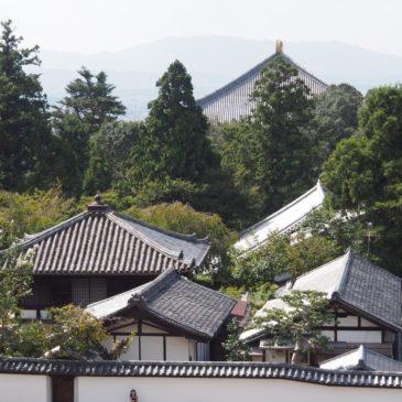 【東大寺開山堂(良弁堂)】初代別当の姿を象った「国宝良弁僧正坐像」を祀る空間