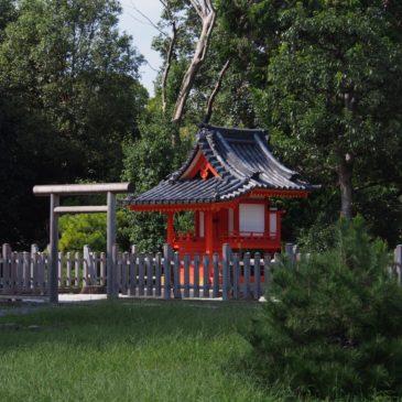 【杉本神社(正倉院)】勅封の宝物を収蔵する「正倉院」の鎮守神として長い歴史を有する神社