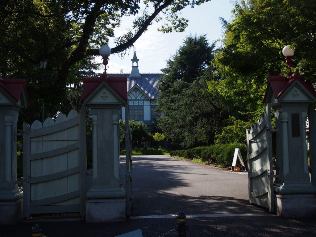 【奈良女子大学構内の近代建築】重要文化財指定を受ける明治期の近代建築は期間限定公開